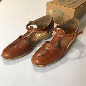 Shoes - Unique strappy leather platform open shoes